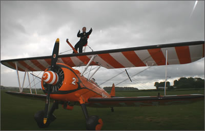 Thumbs up wing walking